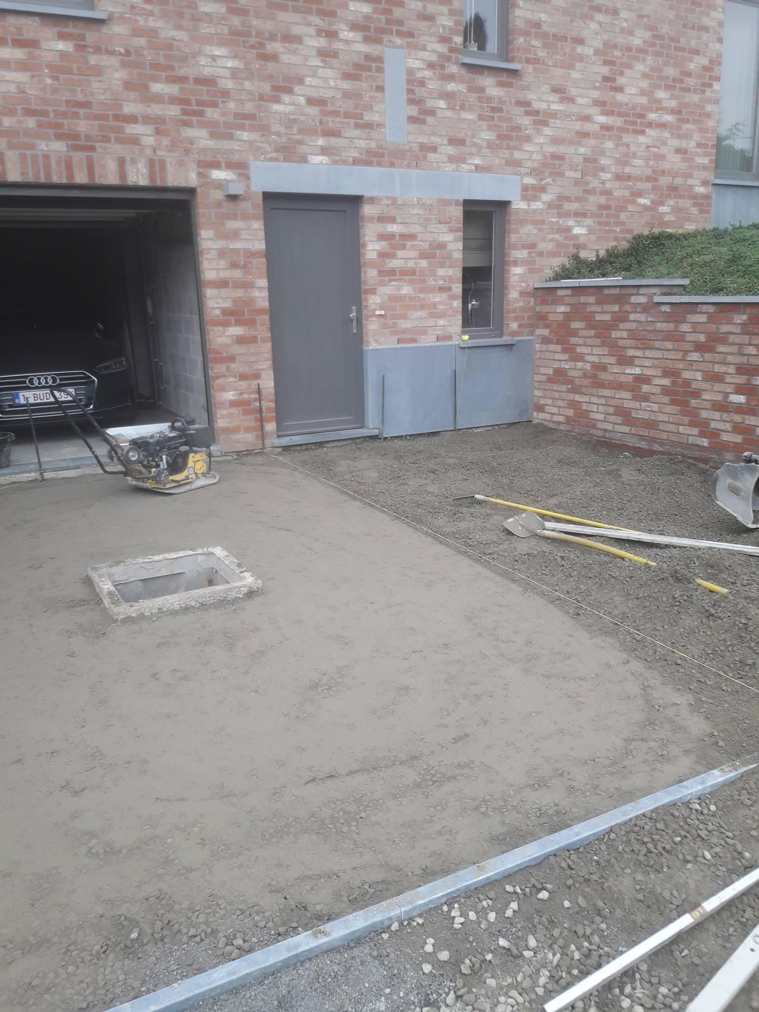 Allée de garage en pierre