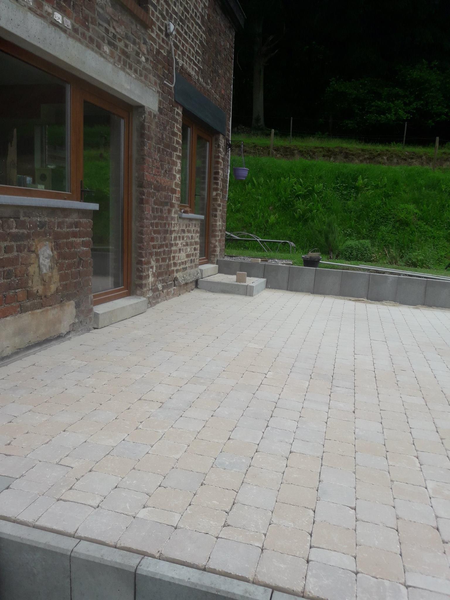 Création d'une terrasse en pavé MARLUX