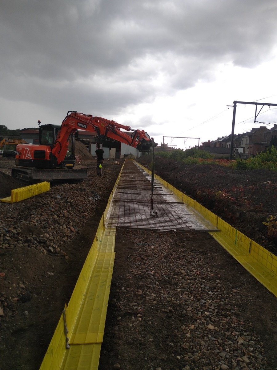 Terrassement et création de fondation de 600m de long